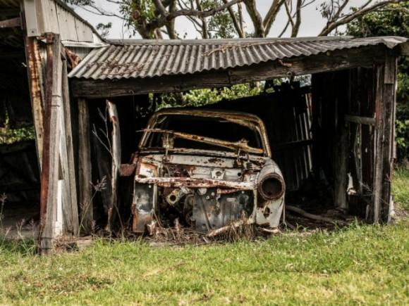 Saznajte zašto je bolje častiti vaš automobil novim umesto polovnim rezervnim delom