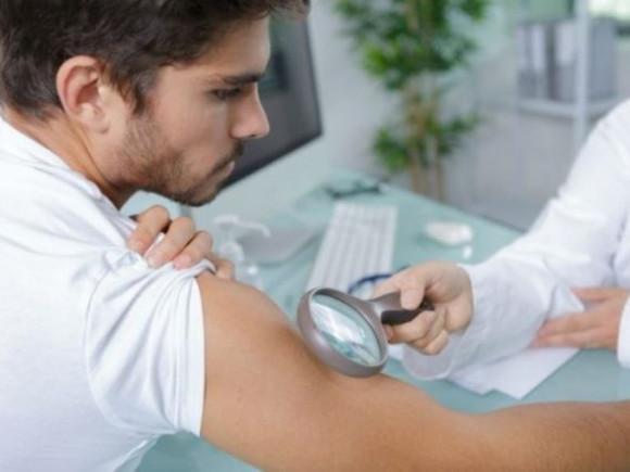 Najpopularnije dermatološke procedure za muškarce